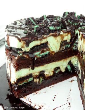 Mint Oreo Ice Cream Cake from Life, Love Sugar