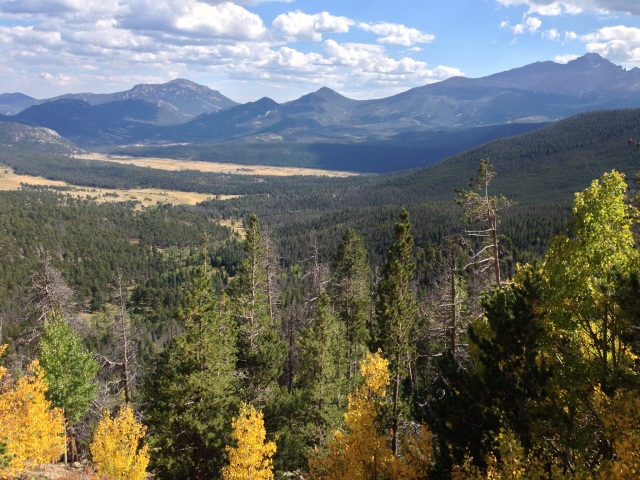 Beautiful mountains at the Rocky Mountain National Park